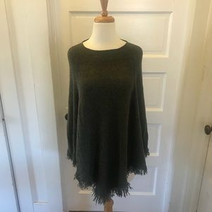 Green fringe cashmere sweater cape/poncho